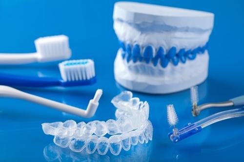 Teeth Whitening Kits and Sensitivity - Elevate Dental